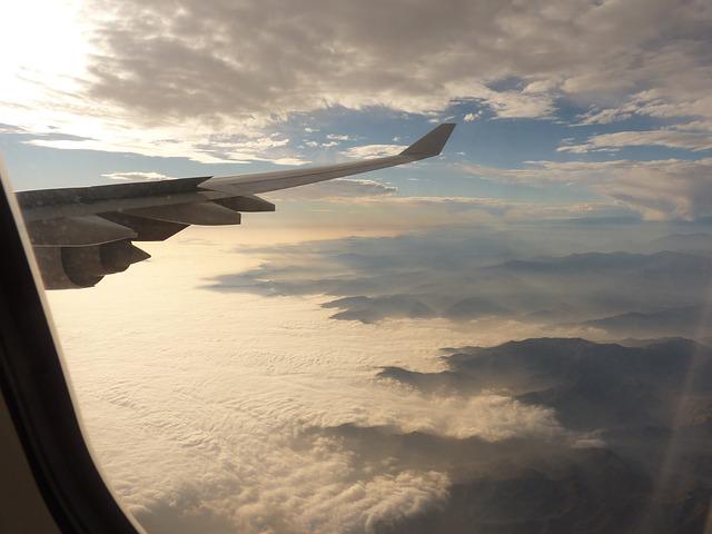 aircraft-43187_640