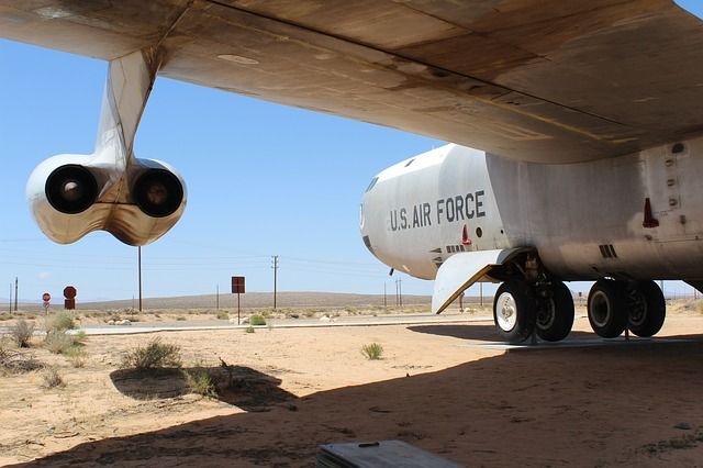 b-52-49313_640