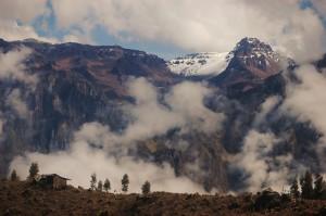 mountains-1448521_640